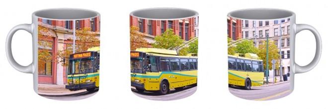 Kdo by nechtěl hrnek s trolejbusem?